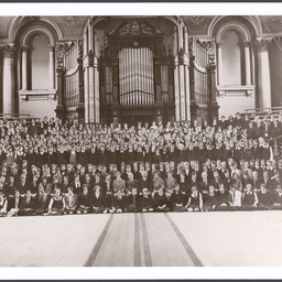 Students in front of the Adelaide Town Hall organ