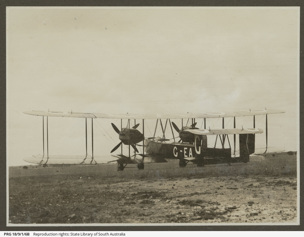 Vickers Vimy in field.