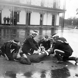 Mounted policemen demonstrating first aid, Thebarton