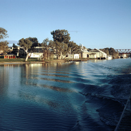 The Wenmouth Collection : Murray Bridge