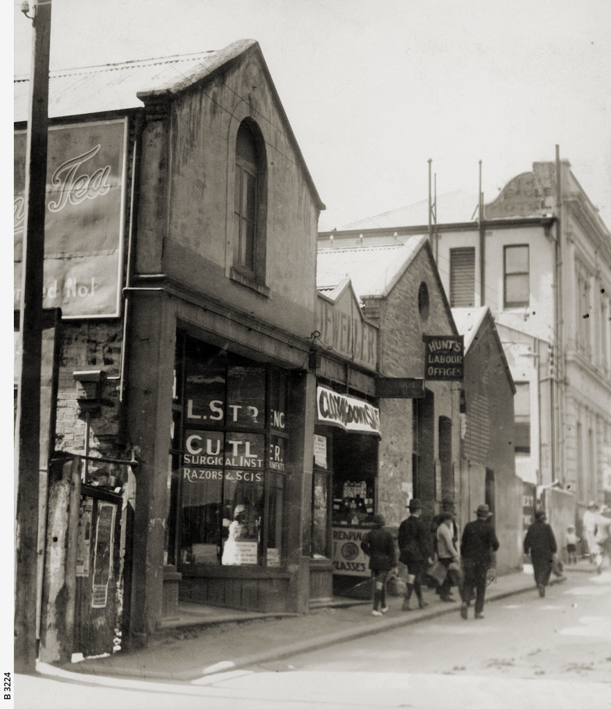 Premises of W.H. Evans, Hunt's Labour office and the Eagle Hotel, Bank Street