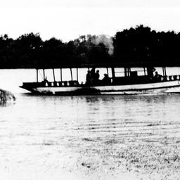 Co-operation, milk boat at Murray Bridge