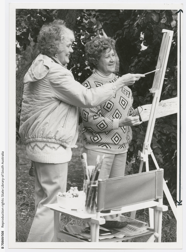 Arts and Crafts : Artists : Yvonne Hill and Margaret Denton