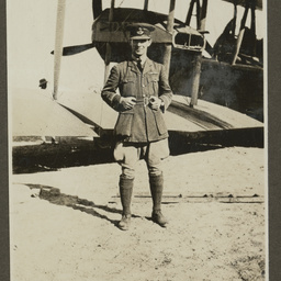 Keith Smith by the Vickers Vimy.