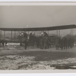 Preparing Vickers Vimy for take off