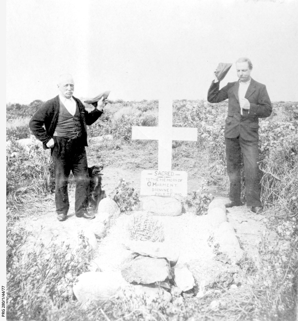 Drowned lighthouse keeper's grave, Neptune Island