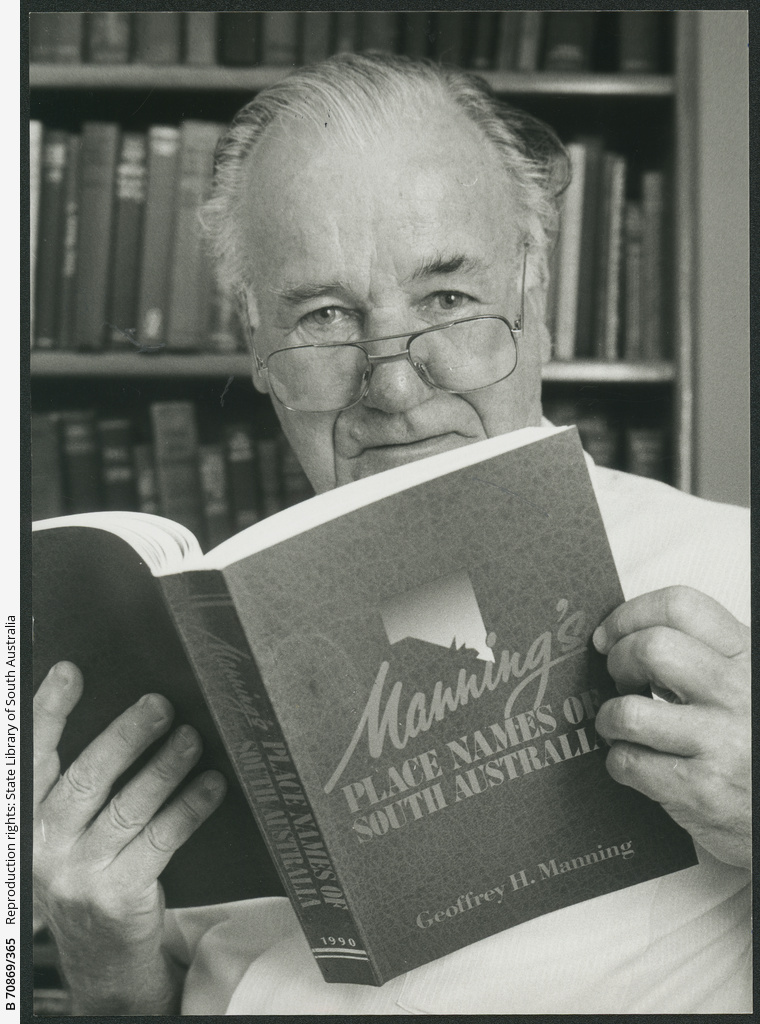 Geoffrey Manning (author of Grange) with his new book. 31 October 1990.