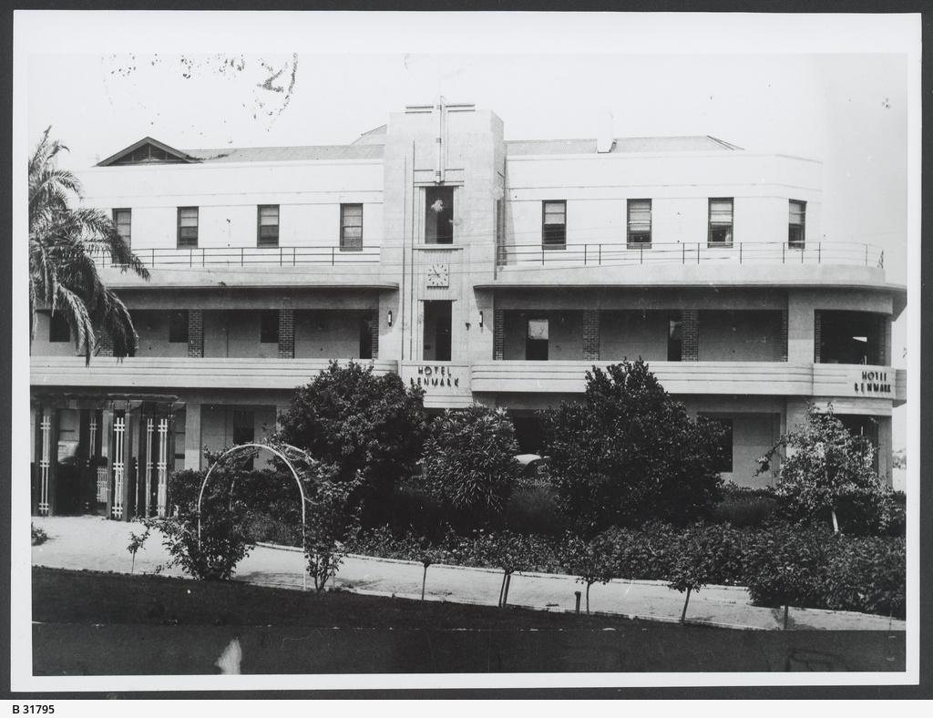 hotels & taverns