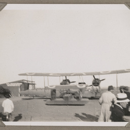 Vickers Vimy arrival at Northfield.