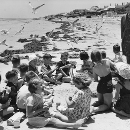 Burnside School picnic at Henley beach