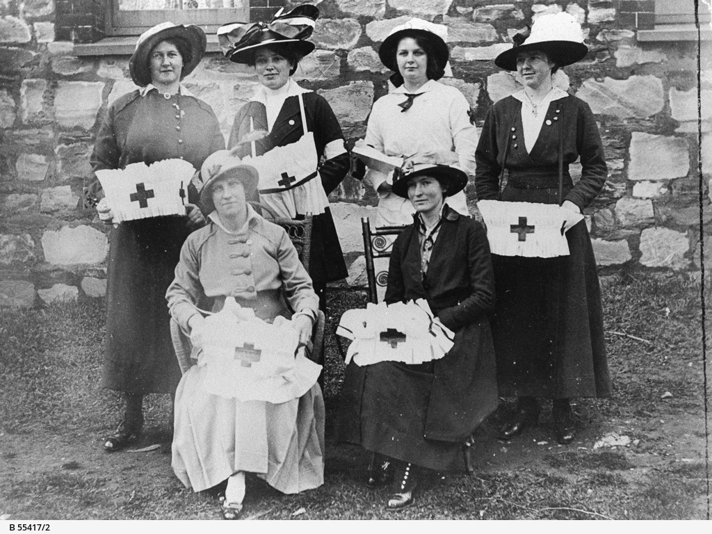 Badge sellers for the Willunga Red Cross