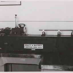 Standard Pratt and Whittney measuring machine.