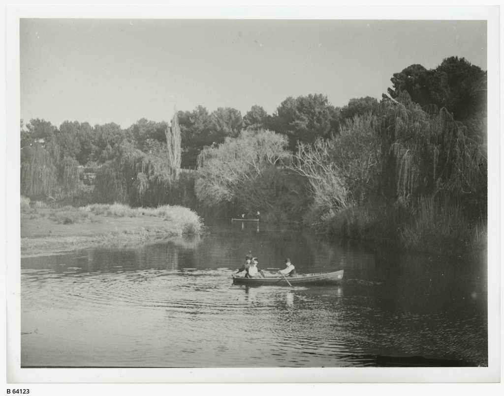 Boating on the River Torrens