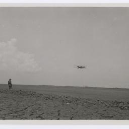 Vickers Vimy approaching Surabaya