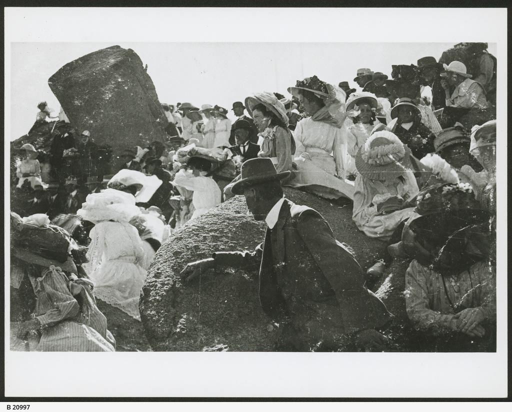 Flinders Monument