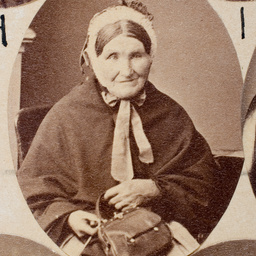 Group of [women] Old Colonists : Russell