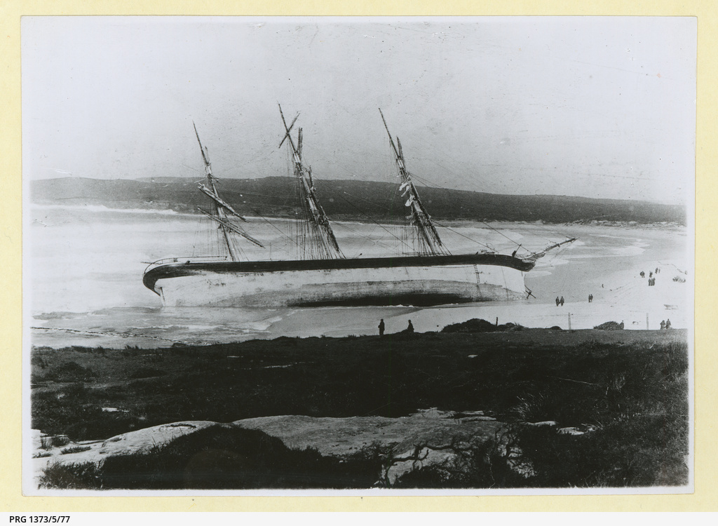 The 'Hereward' wrecked on Maroubra beach, Sydney