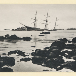 The 'River Lune' wrecked at Scilly Islands