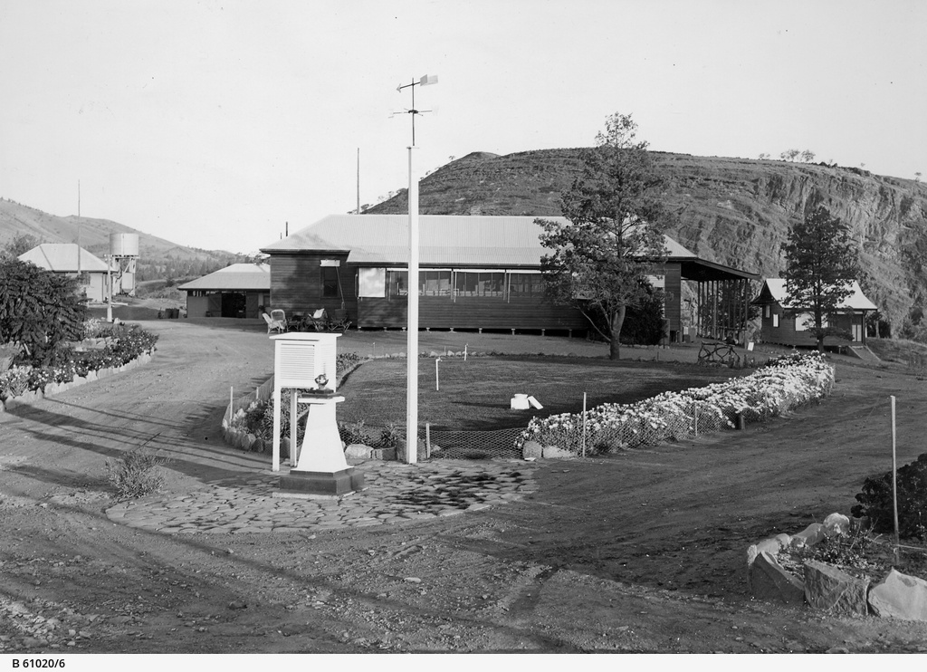 Angorichina Hostel