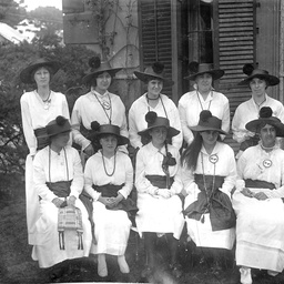 Group of women workers for World War I charities in Adelaide