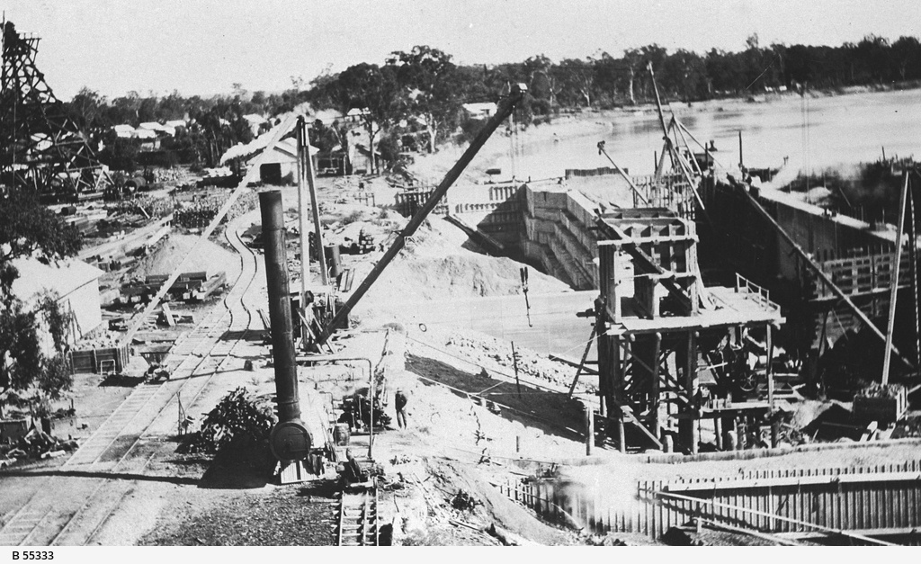 Construction of Lock 5 at Renmark