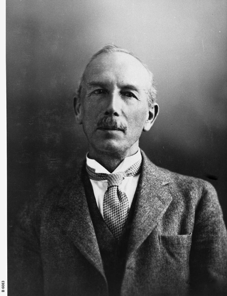 Sir Robert William Chapman