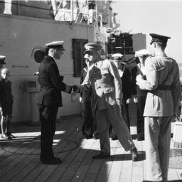 Sir Willoughby Norrie meets Captain Harries on HMAS Australia