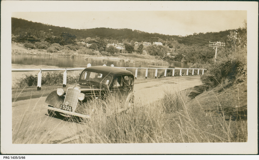 Car on the road at Lorne