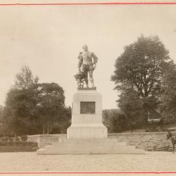 Statue of Sir Francis Drake