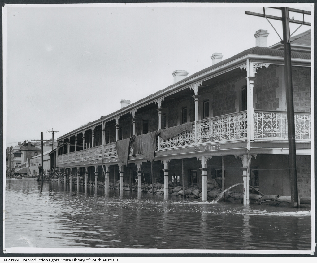 Floods at Mannum