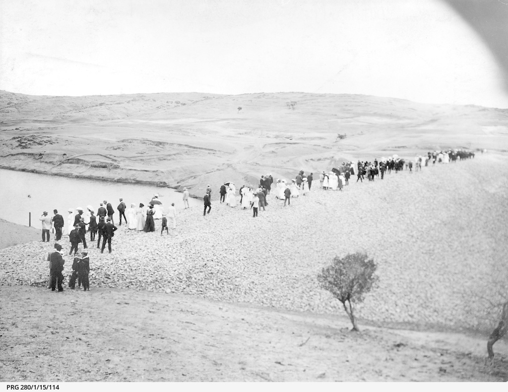 Visitors inspecting the new reservoir at Pekina, South Australia