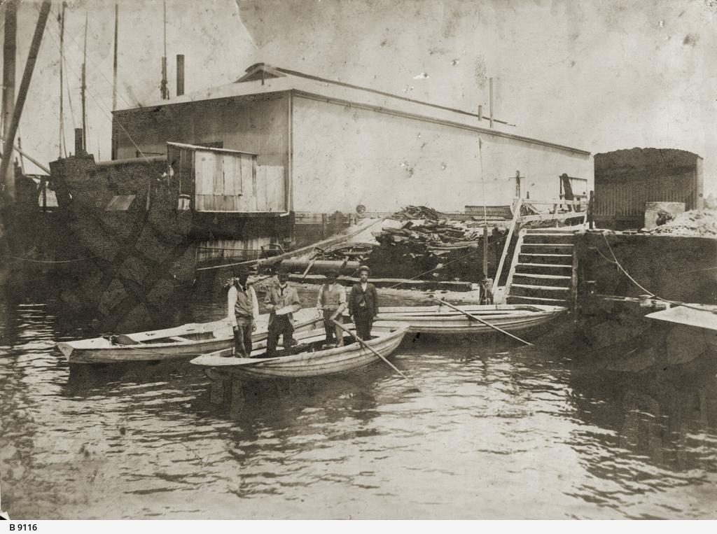 Ferry Steps, Port River