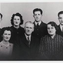 Studio photograph of Garnet William Arthur with his family