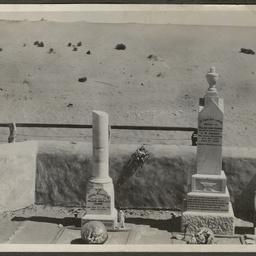 Crombie family graves