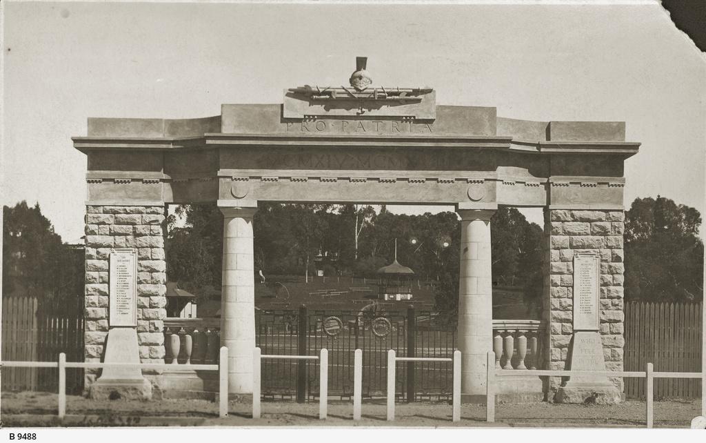 Soldier's Memorial, Clare
