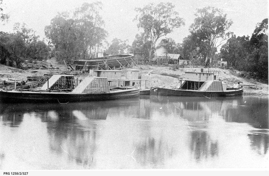 Echuca Slip with barge being constructed at rear